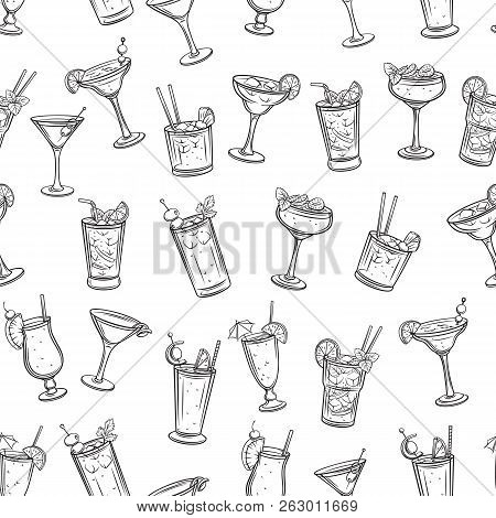 Alcoholic Cocklails Seamless Pattern. Summer Alcoholic Drinks. Engraving Holiday And Beach Party Vec
