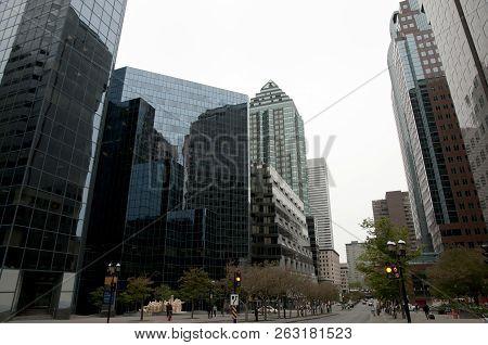 University Avenue - Montreal City - Canada