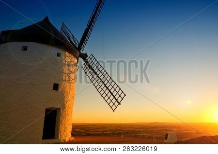 The windmills of Consuegra, featured in Cervantes novel Don Quixote, are a lovely attraction to visit in the La Mancha region in central Spain. These machines used the wind to grind grain
