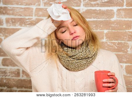Runny Nose And Other Symptoms Of Cold. Cold And Flu Remedies. Remedies Should Help Beat Cold Fast. T