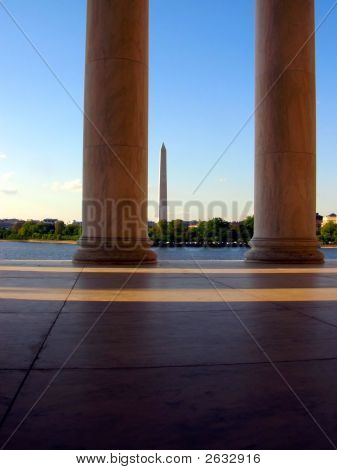 Washington Monument Thru Pillars