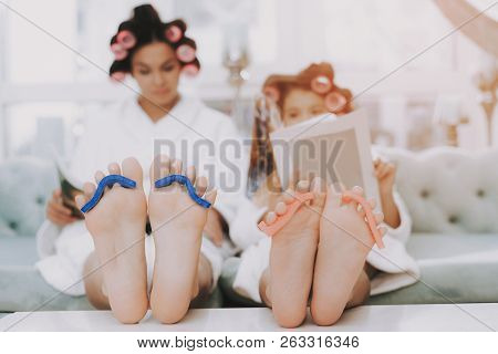 Spa Day In Beauty Salon. Little Lady With Curlers. Mother And Daughter In Spa. Consept Beauty Salon.