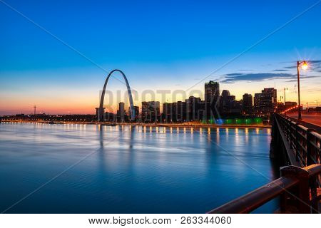 St. Louis, Missouri - October 8, 2018 - The St. Louis, Missouri Skyline And Gateway Arch At Dusk.
