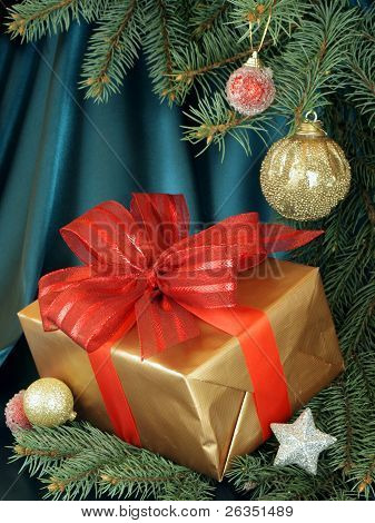 decorated christmas tree with gift