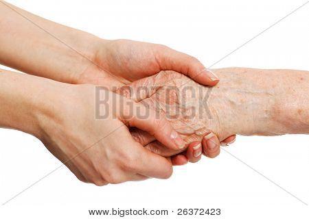 manos viejas y jóvenes; confort