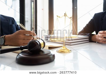 Business Law Concept, Lawyer Business Lawyers Are Consulting Lawyers For Women Entrepreneurs To File