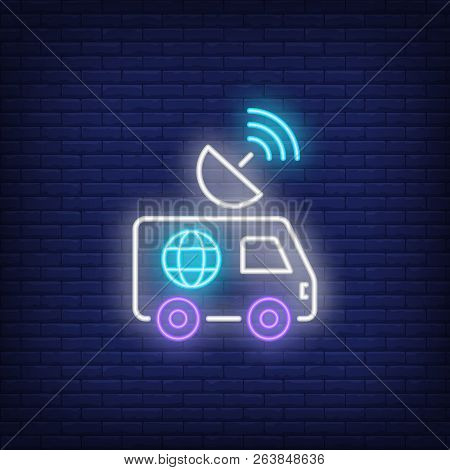 News Tv Neon Sign. Glowing Neon News Wagon With Equipment On The Roof On Dark Blue Brick Background.