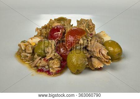 Salad Plate With Seasonal Vegetables, Cherry Tomato, Egg And Tuna