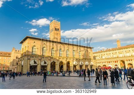 Bologna, Italy, March 17, 2018: Palazzo Re Enzo And Palazzo Dei Banchi Palace Building On Piazza Mag