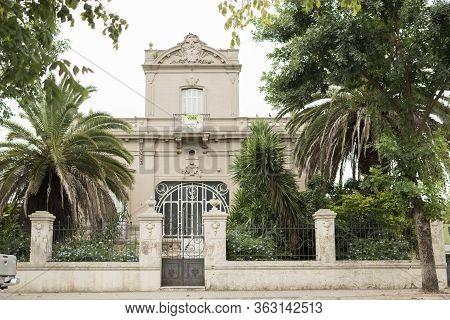 Carmelo, Colonia / Uruguay; Dec 27, 2018: Old Mansion In One Of The Streets Surrounding Plaza Artiga