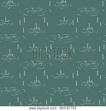 Seamless Pattern With Water Circles During Heavy Rain. White Contour