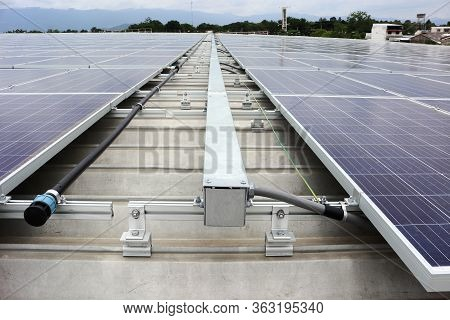 Solar Pv On Industrial Roof With Facilities