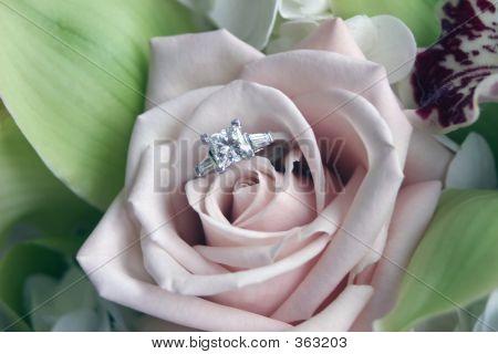 Flowerring F