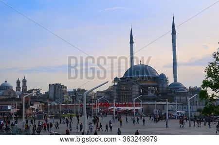 Istanbul, Turkey - May 15, 2019: View Of Taksim Square And The Mosque At Sunset