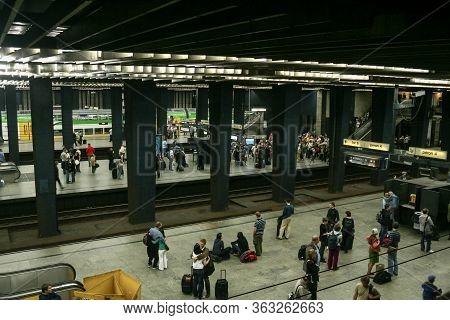 Warsaw, Poland - June 14, 2009: Main Platforms In The Interior Of Warszawa Centralna Train Station W