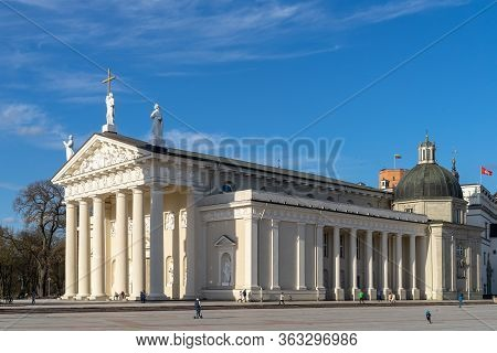 The Main Church In Lithuania - The Cathedral Basilica Of St Stanislaus And St Ladislaus Of Vilnius F