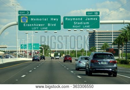 Tampa, Florida, U.s.a - September 29, 2019 - The View Of Traffic On Interstate 275 South And Exit To