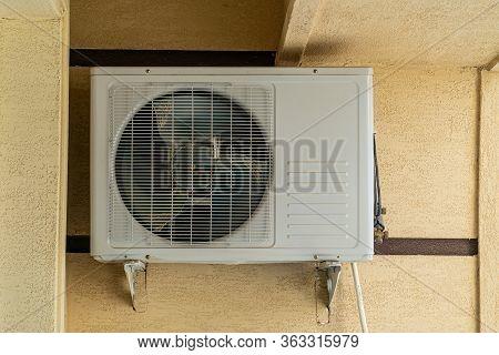 Air Condition Outside Unit, Split System Condition Unit