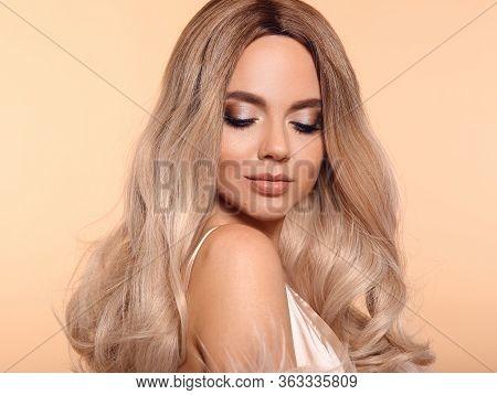 Ombre Blond Hairstyle. Beauty Fashion Blonde Portrait. Sexy Woman Wears In Pink Fur Coat. Beautiful