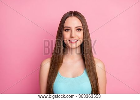 Close-up Portrait Of Her She Nice-looking Attractive Lovely Pretty Charming Groomed Cheerful Straigh