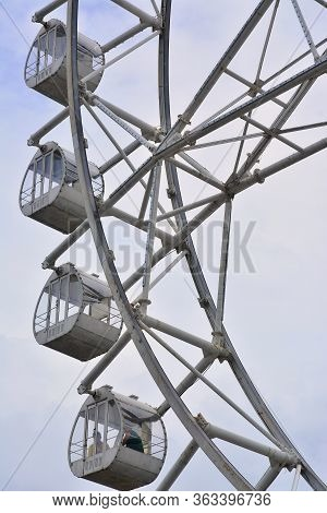 Pasay, Ph - July 15 - Mall Of Asia (moa) Eye Ferris Wheel On July 15, 2018 In Pasay, Philippines. Ma