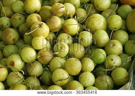 Indian Gooseberries. Amla Fruit Extract Decrease The Blood Glucose.has Antiviral And Antimicrobial.