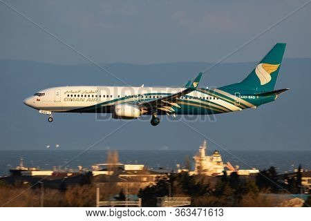 Istanbul / Turkey - March 29, 2019: Oman Air Boeing 737-800 A4o-bag Passenger Plane Arrival And Land