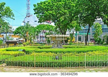 Cebu, Ph - June 17 - Plaza Independencia Water Fountain On June 17, 2017 In Cebu, Philippines. Plaza