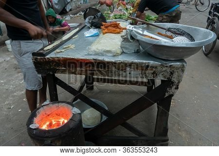 Kolkata, West Bengal, India - 16th December, 2018 : Bread Fry, A Chinese Breakfast, Being Prepared I