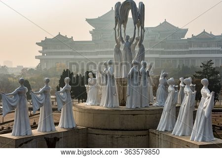 Pyongyang / Dpr Korea - November 12, 2015: Communist Monuments In Front Of The Grand People's Study