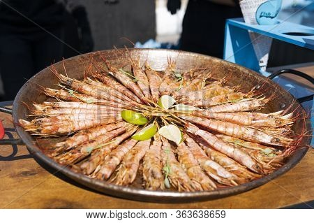 Close-up Of Ready To Eat Delicious Grilled Tiger Shrimp With Lime. Concept Of Healthy Eating, Dinner