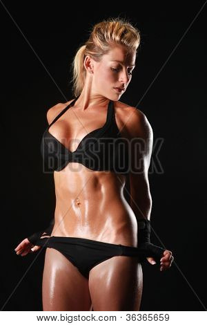 Blonde Female Bodybuilder With Beautiful Form