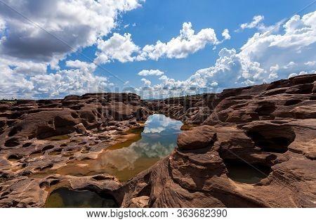 Unseen Thailand Stone Canyon  At Sam Pan Bok In Mae Kong River. Ubonratchathani Province ,thailand