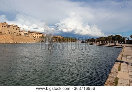 View Of The Parc Del Mar Near Cathedral La Seu, Palma De Mallorca, Spain