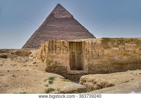 The Pyramid Of Khafre (pyramid Of Chephren), The Second-tallest Of The Ancient Egyptian Pyramids Of