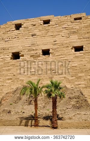Karnak Temple Complex And Karnak Open Air Museum (built About 1250 Bc) In Luxor, Egypt