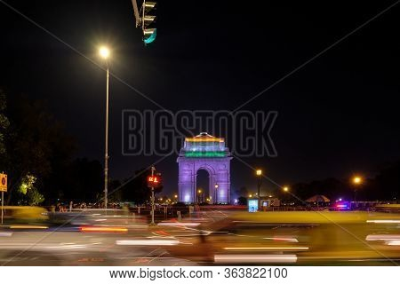 Delhi / India - September 26, 2019: Night View Of The Illuminated India Gate War Memorial And Traffi