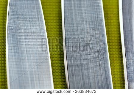 Cutting Edge Of Kitchen Knives
