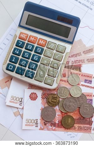 Banknotes Of Russia And Calculator. World Economic Crisis