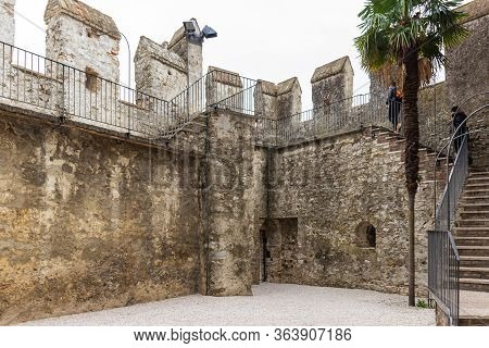 Sirmione, Italy, October 01, 2015 : The Inner Courtyard Of The Castello Scaligero Fortress, In The S
