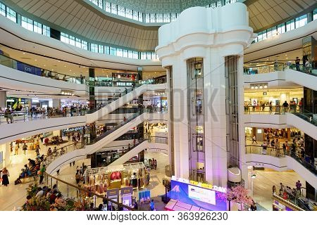 Bangkok/thailand- October 26 : Inside The Building Central Plaza Pinklao (cpn) Department Store When