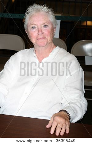 LOS ANGELES - AUG 18:  Susan Flannery at the book signing for William Bell Biography at Barnes & Noble on August 18, 2012 in Ventura, CA