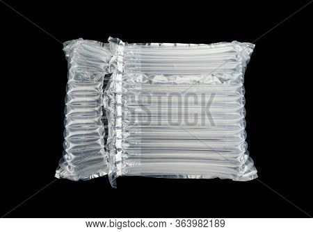 plastic translucent air packaging, protection of goods.