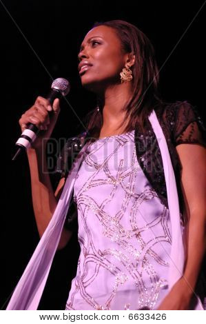 Aisha Tyler performing live.