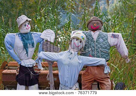Happy Scarecrow Family