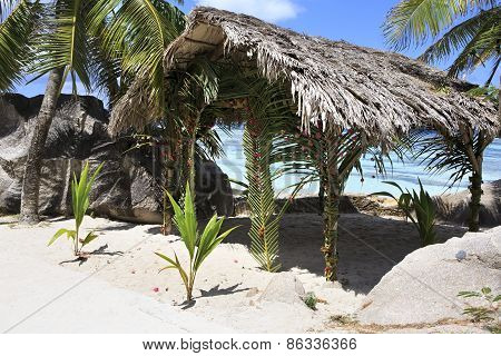 Terrace for weddings on the beach Anse Source DArgent.