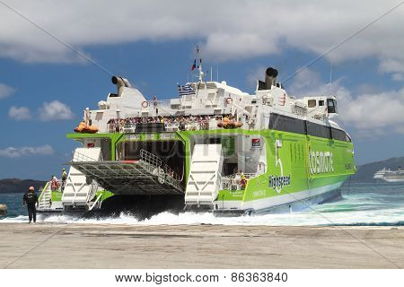Docking On Santorini