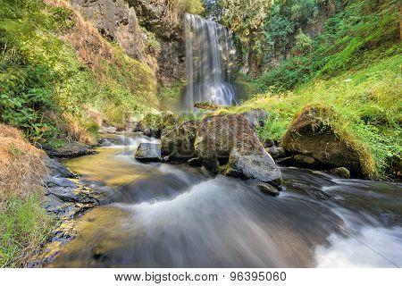 Upper Bridal Veil Falls In Summer in Oregon