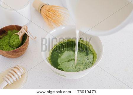 Matcha Green Tea Latte Ingredients, Healthy Trendy Drinks