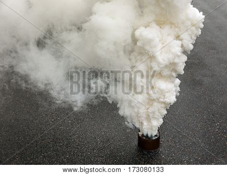 Fuming Smoke Bomb